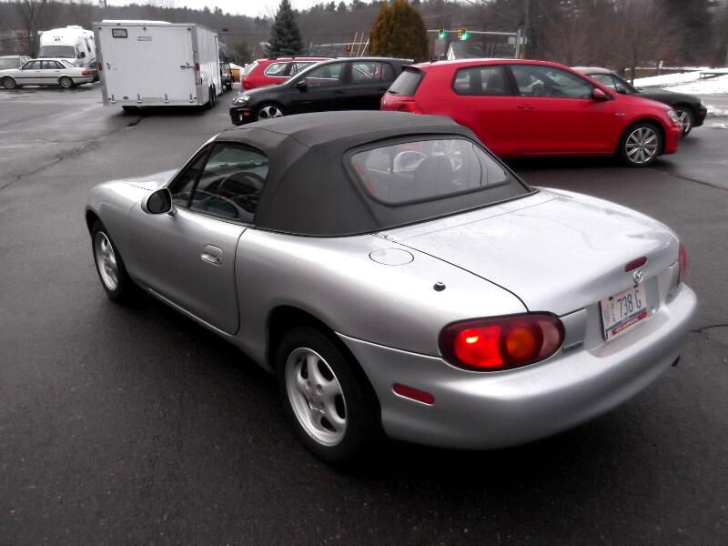 1999 Mazda MX-5 Miata 2dr Conv Cloth Manual
