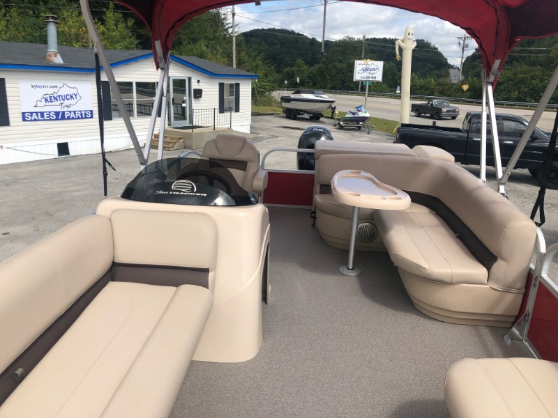 2017 Sun Tracker Party Barge 20DLX