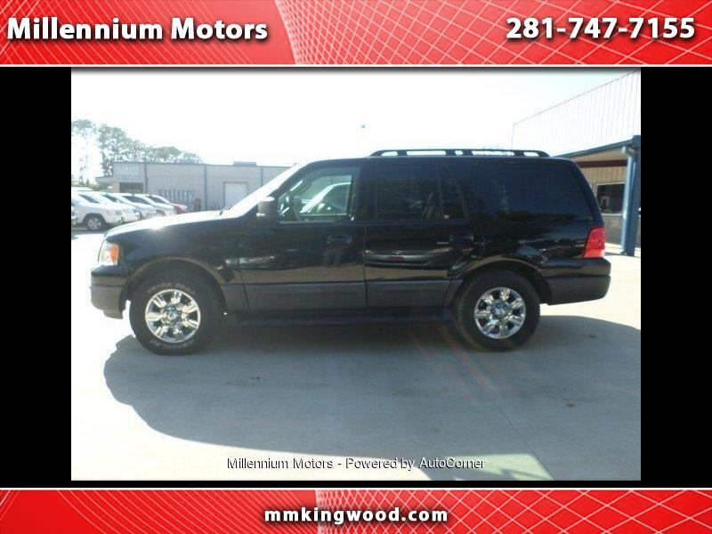"2005 Ford Expedition 119"" WB XLT"