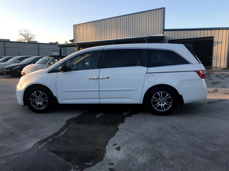 Honda Odyssey EX w/ Leather and Navigation 2012