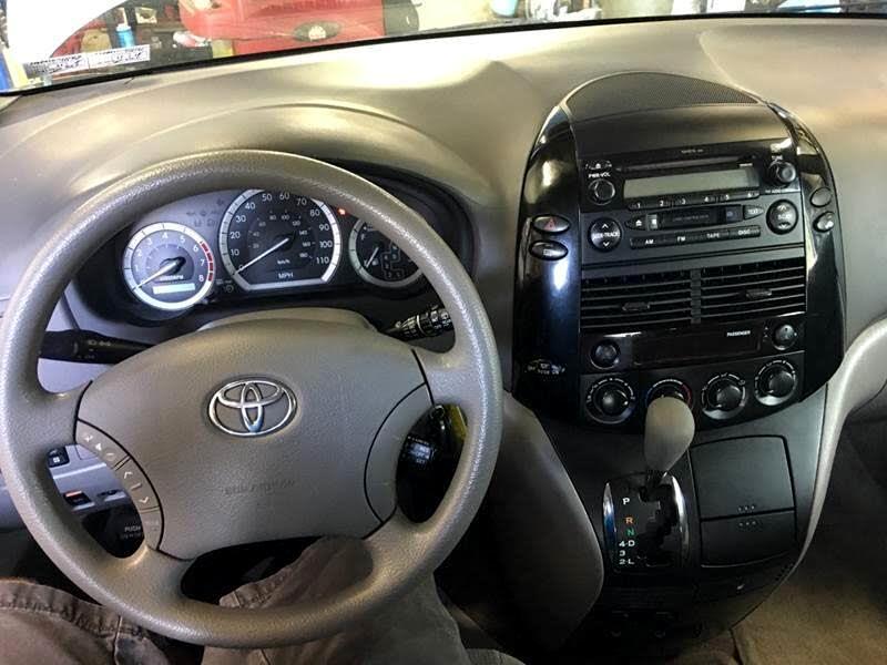 2005 Toyota Sienna LE AWD