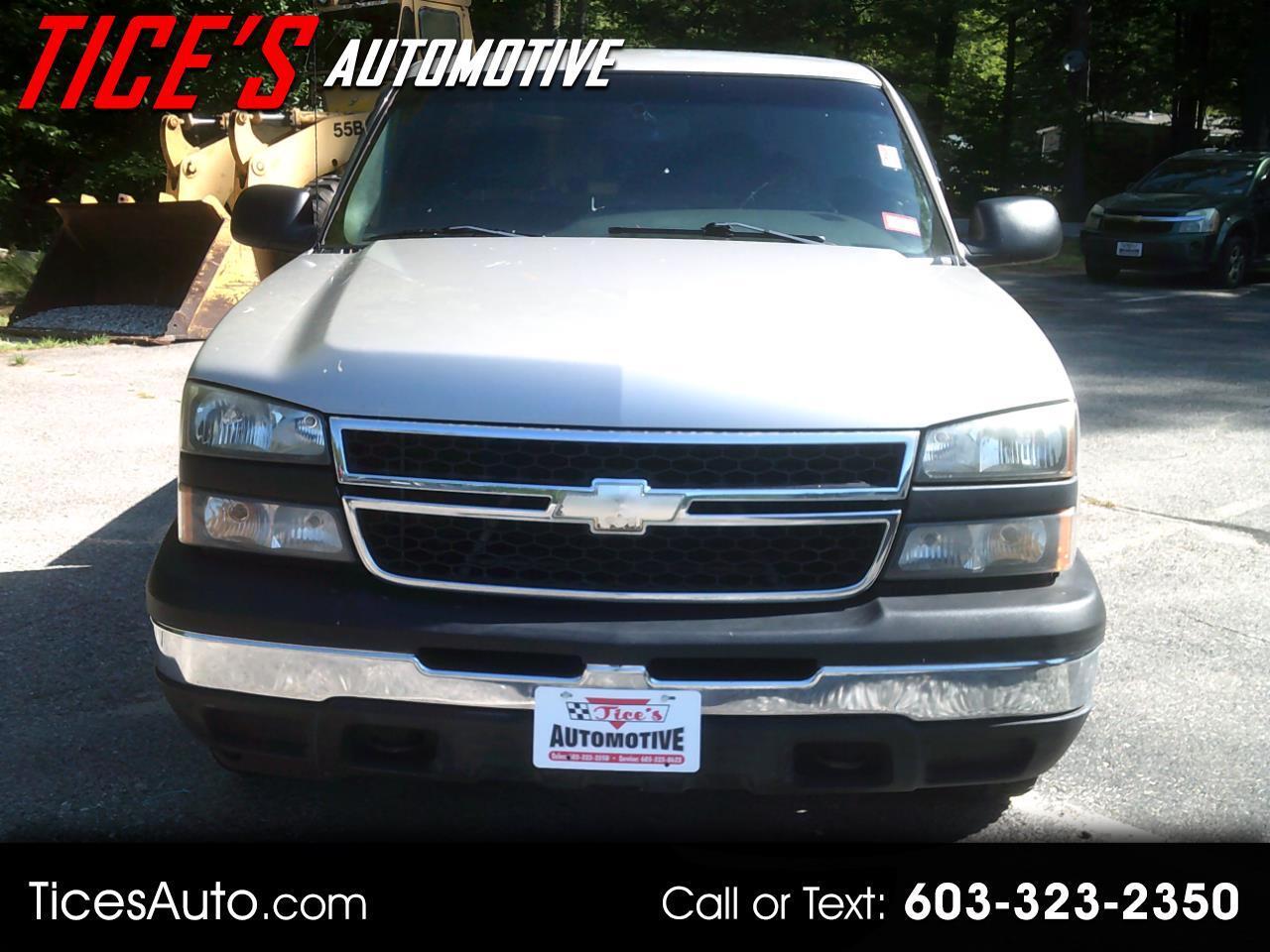 """Chevrolet Silverado 1500 Reg Cab 119.0"""" WB 2WD Work Truck 2006"""