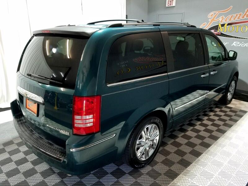 2009 Chrysler Town & Country Limited
