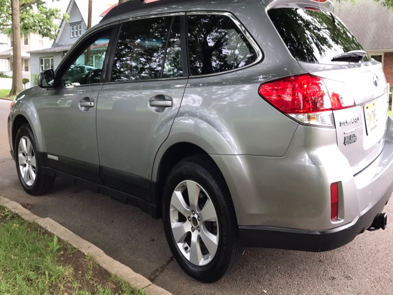 2010 Subaru Outback 2.5i Limited Wagon