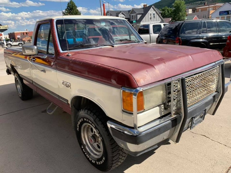 1989 Ford 1/2 Ton Truck