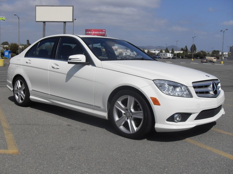 Mercedes-Benz C-Class C300 Luxury Sedan 2010