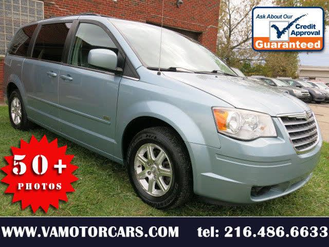 2008 Chrysler Town & Country Touring Plus