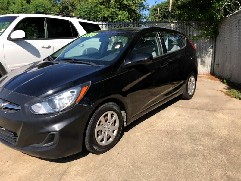 Hyundai Accent GS 5-Door 2013