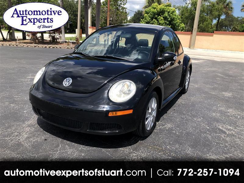 Volkswagen New Beetle S 2009