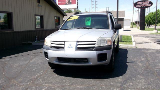 2004 Mitsubishi Endeavor LS AWD