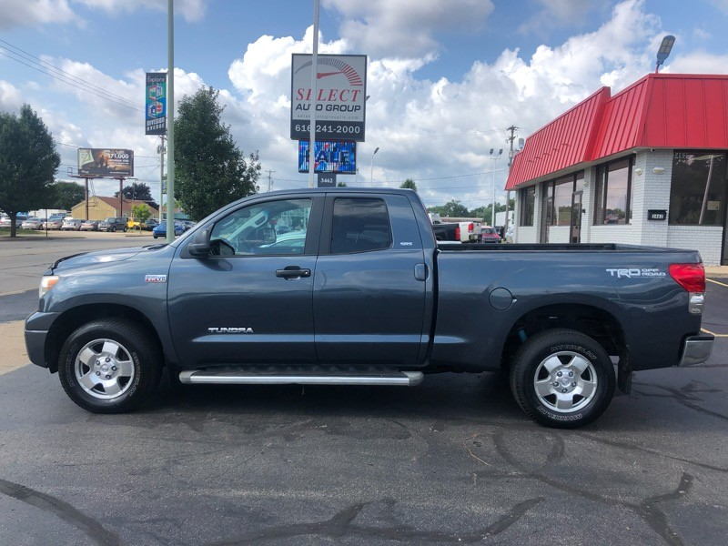 2009 Toyota Tundra 4WD Truck Dbl 5.7L V8 6-Spd AT (Natl)