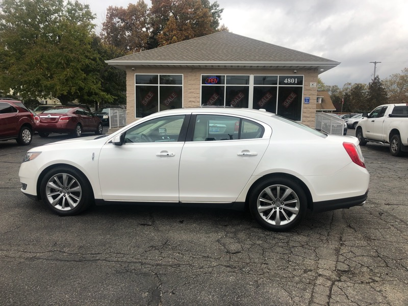 2013 Lincoln MKS 4dr Sdn 3.7L AWD