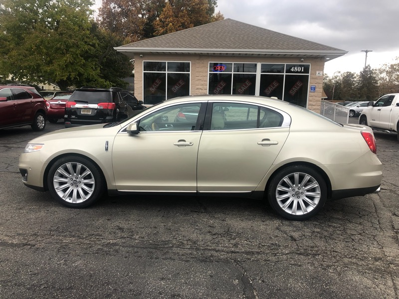 Lincoln MKS 4dr Sdn 3.5L AWD w/EcoBoost 2010