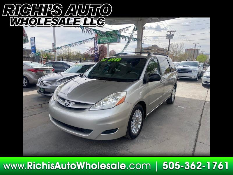 Toyota Sienna LE FWD 8-Passenger Seating 2008