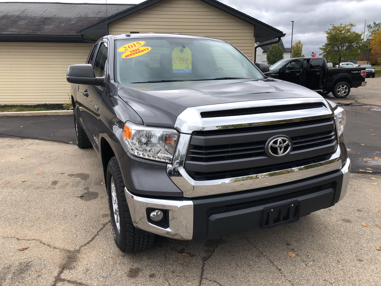2015 Toyota Tundra 4WD Truck Double Cab 5.7L V8 6-Spd AT SR (Natl)