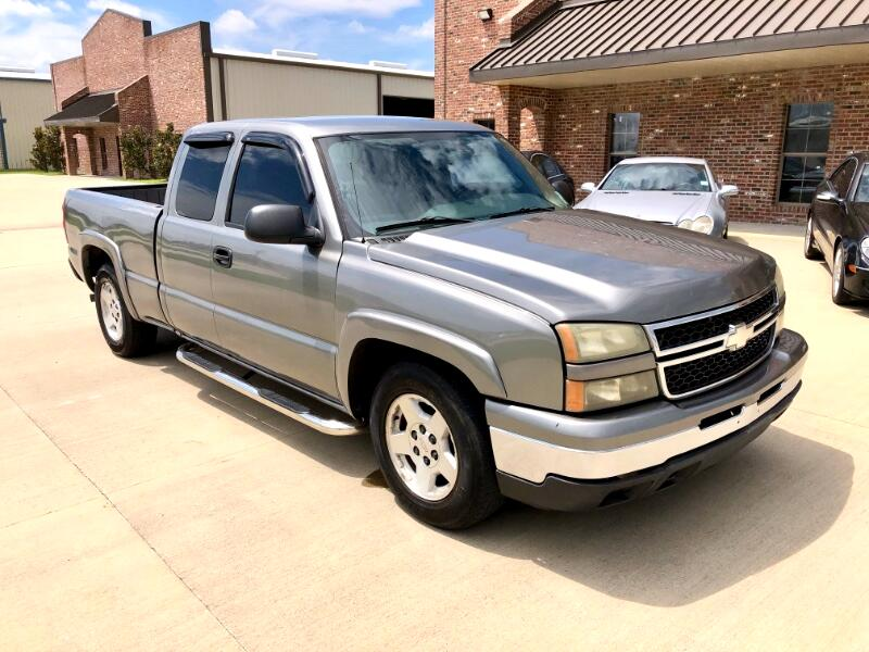 2006 Chevrolet Silverado 1500 LT1 Ext. Cab Short Bed 2WD