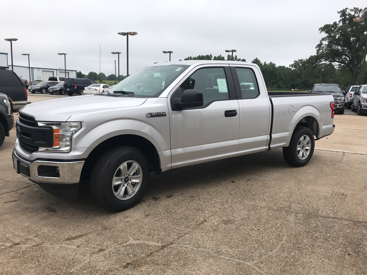 "2019 Ford F-150 2WD SuperCab 145"" XL"