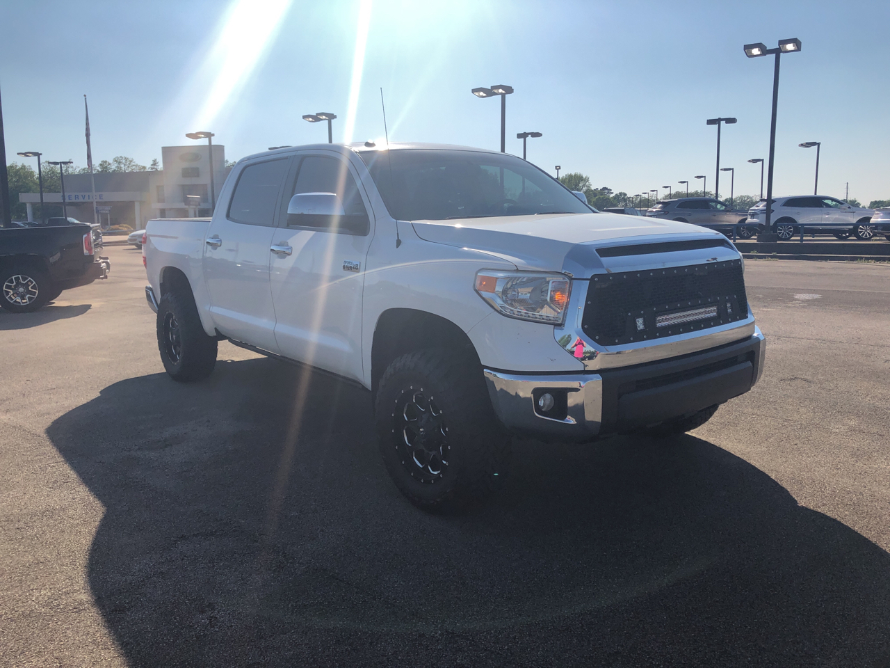 2015 Toyota Tundra 4WD Limited Double Cab 6.5' Bed 5.7L FFV (Natl)