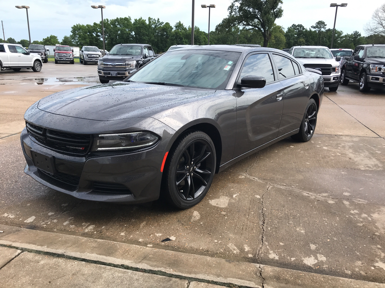 2018 Dodge Charger 4dr Sdn SXT RWD