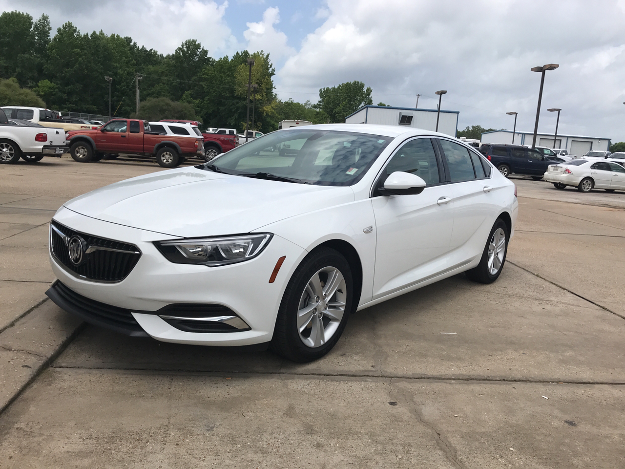 2018 Buick Regal 4dr Sdn Custom