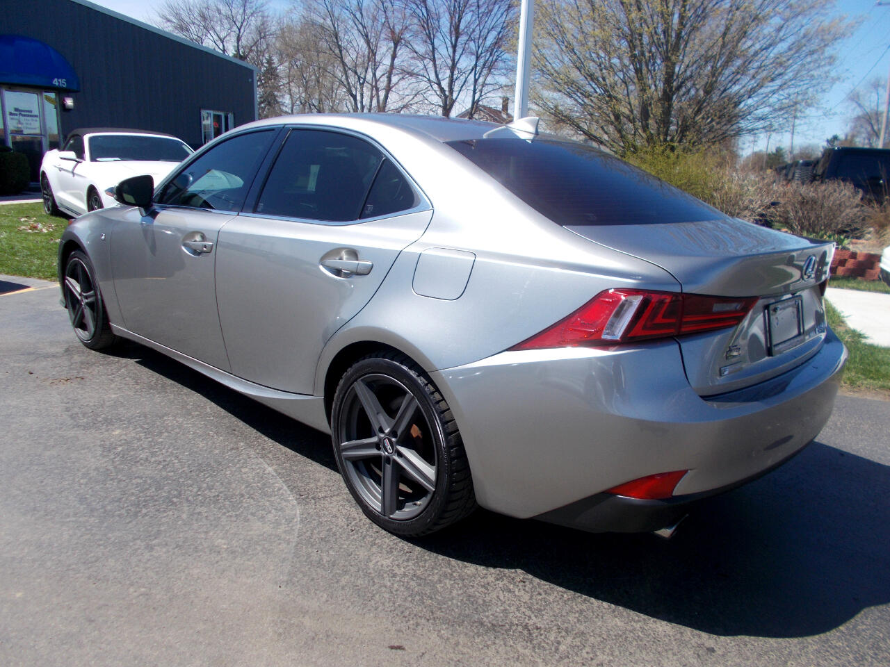 2016 Lexus IS 350 4dr Sdn AWD