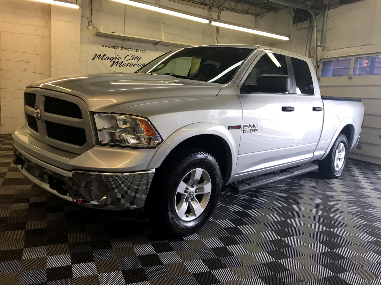 2016 RAM 1500 Outdoorsman Quadcab 4x4
