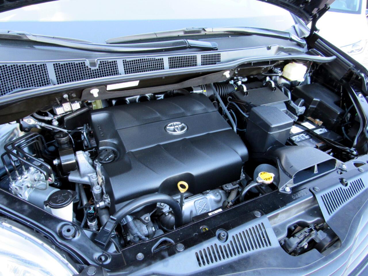 2016 Toyota Sienna L FWD 7-Passenger V6