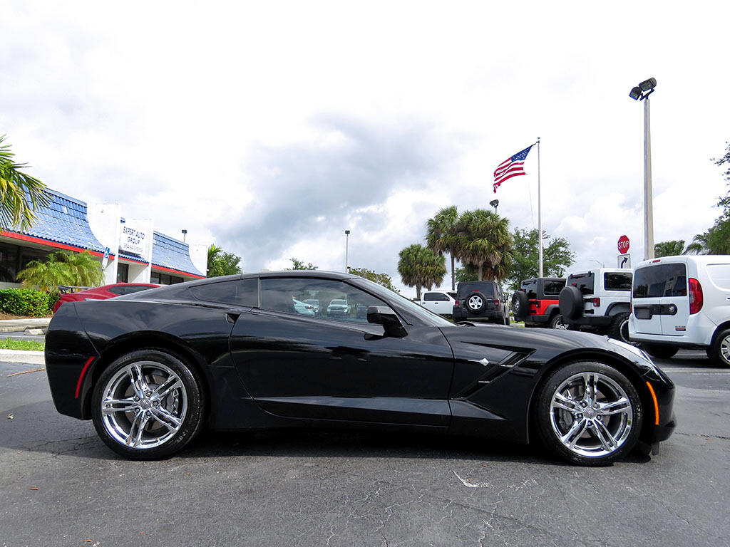 2017 Chevrolet Corvette 1LT Coupe Manual