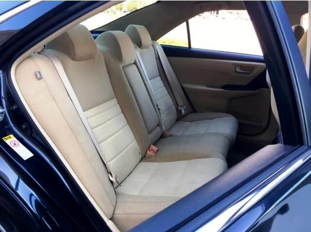 2017 Toyota Camry 2014.5 4dr Sdn I4 Auto LE (Natl)
