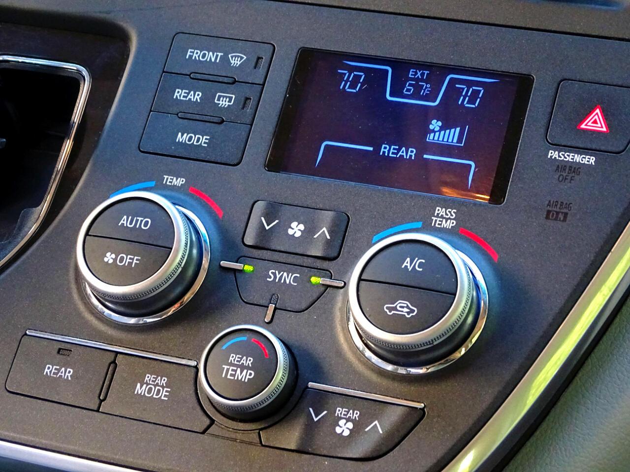 2016 Toyota Sienna 5dr 8-Pass Van LE FWD (Natl)