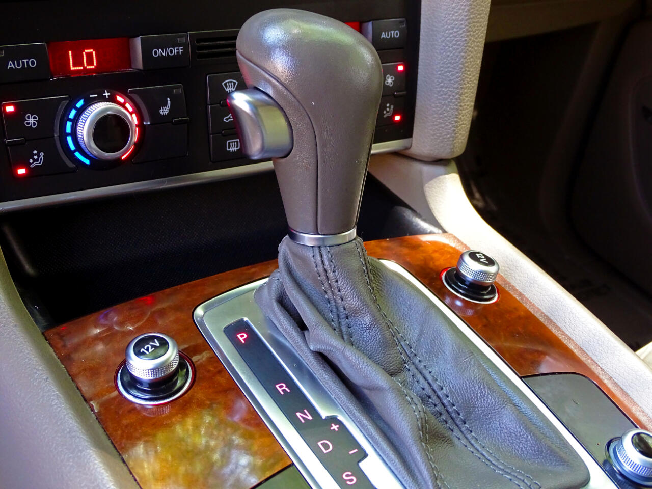 2011 Audi Q7 quattro 4dr 3.0L TDI Premium Plus