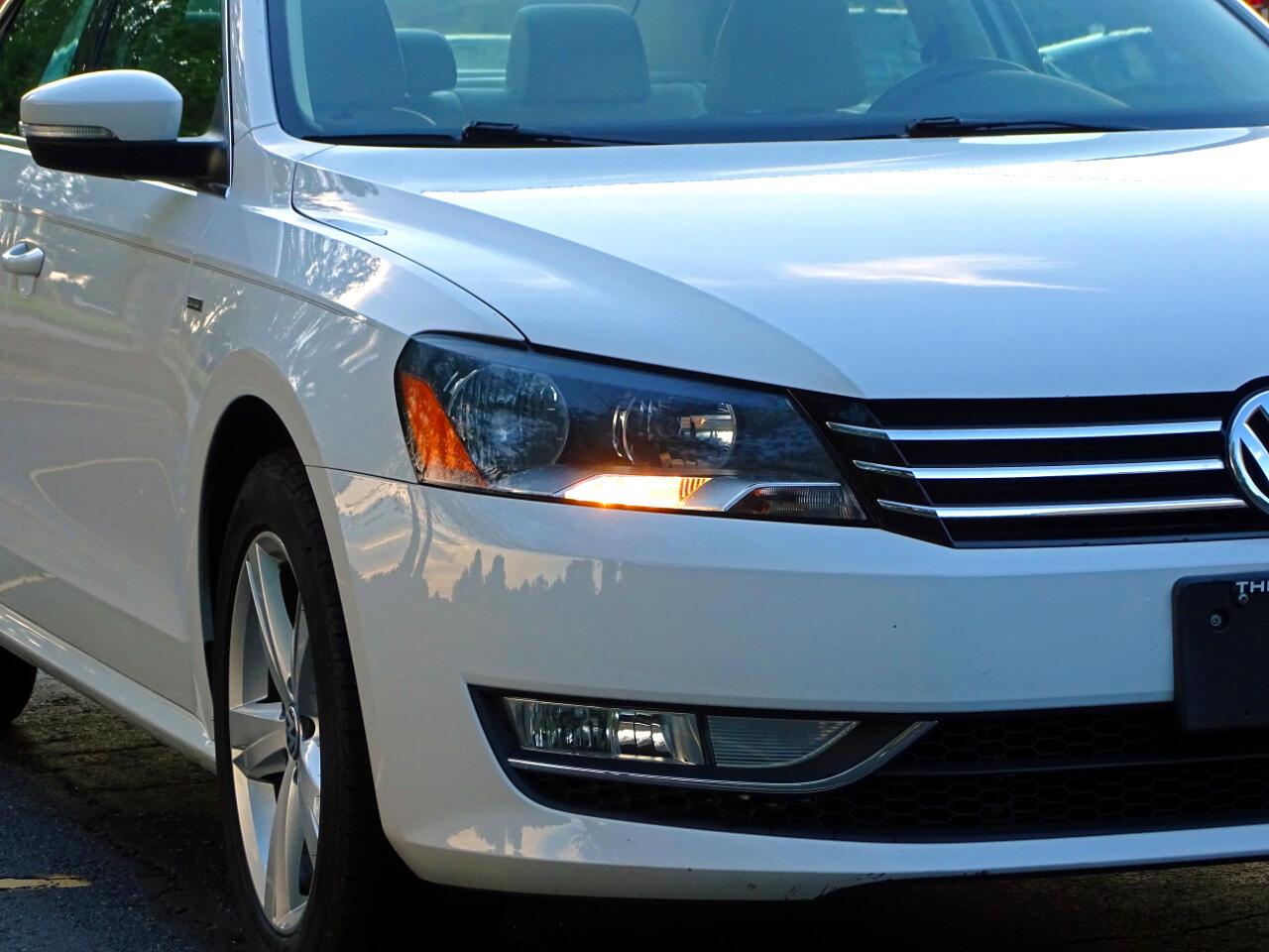 2015 Volkswagen Passat 4dr Sdn 1.8T Auto Limited Edition
