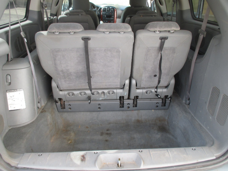 2005 Chrysler Town & Country 4dr 119