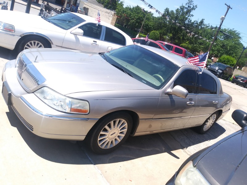 Lincoln Town Car Executive 2003