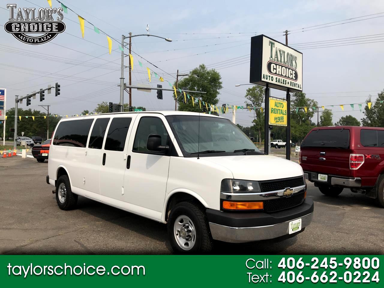 "Chevrolet Express Passenger RWD 3500 155"" LT w/1LT 2016"