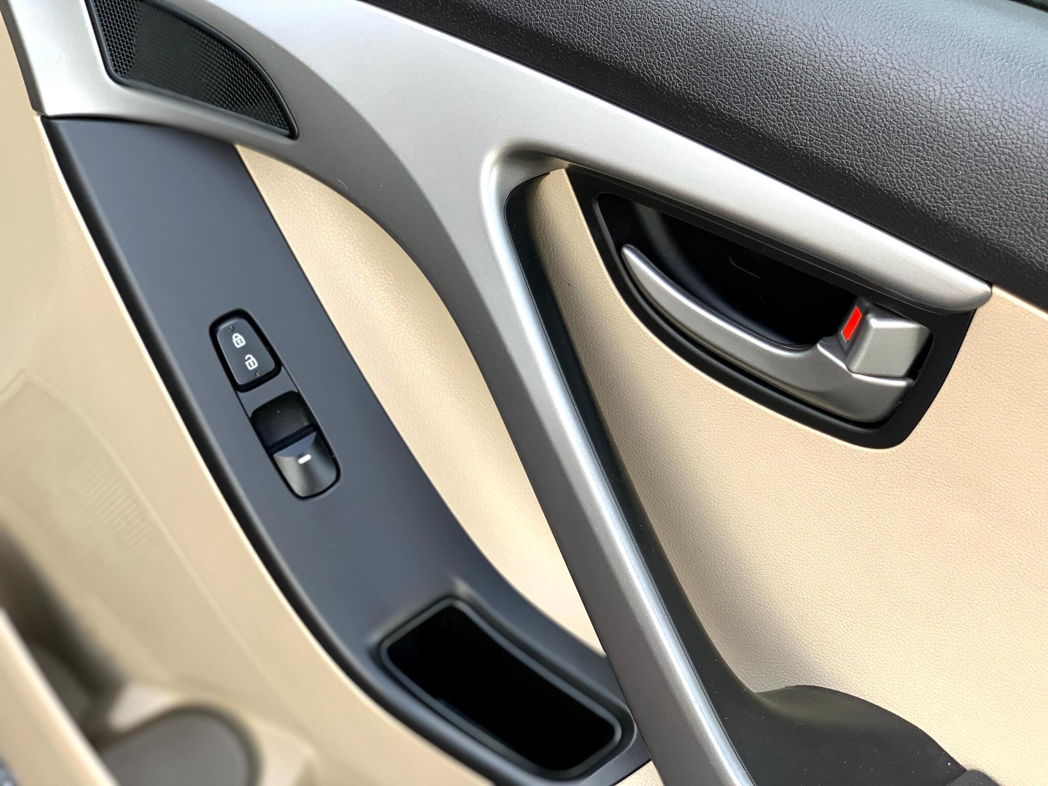 2016 Hyundai Elantra 4dr Sdn Auto SE (Alabama Plant)
