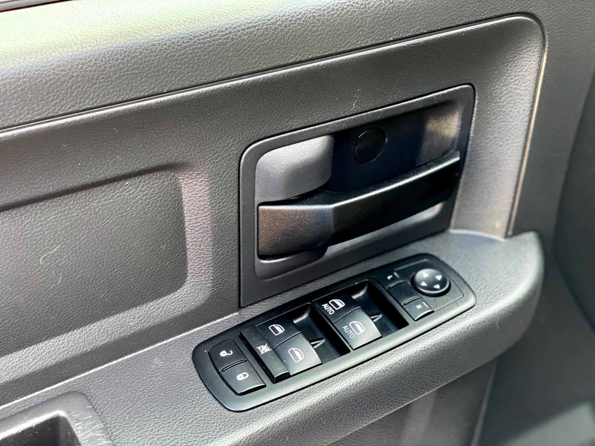 2012 Dodge RAM 1500 Q ST 4WD