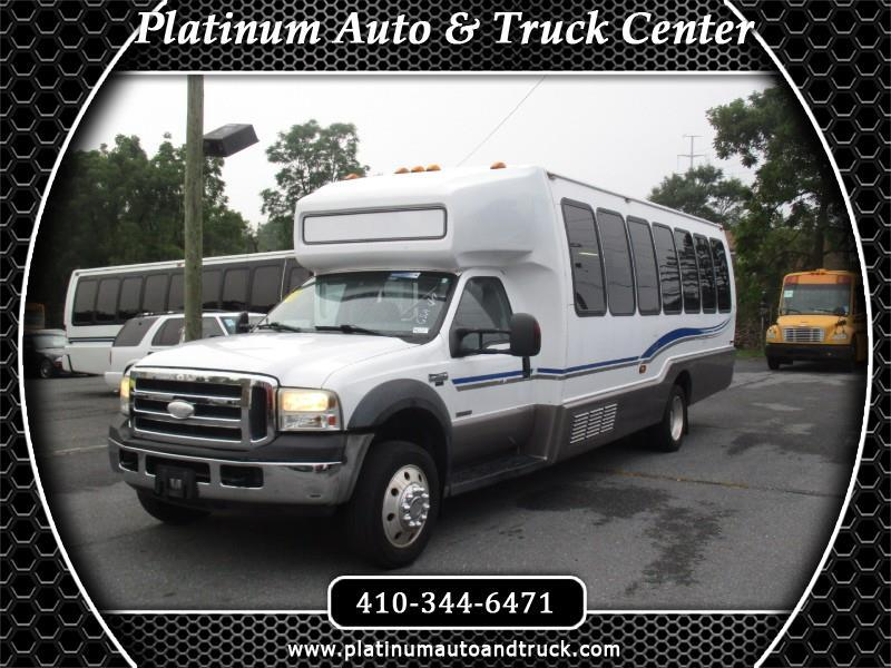 2007 Ford F-550 shuttle bus