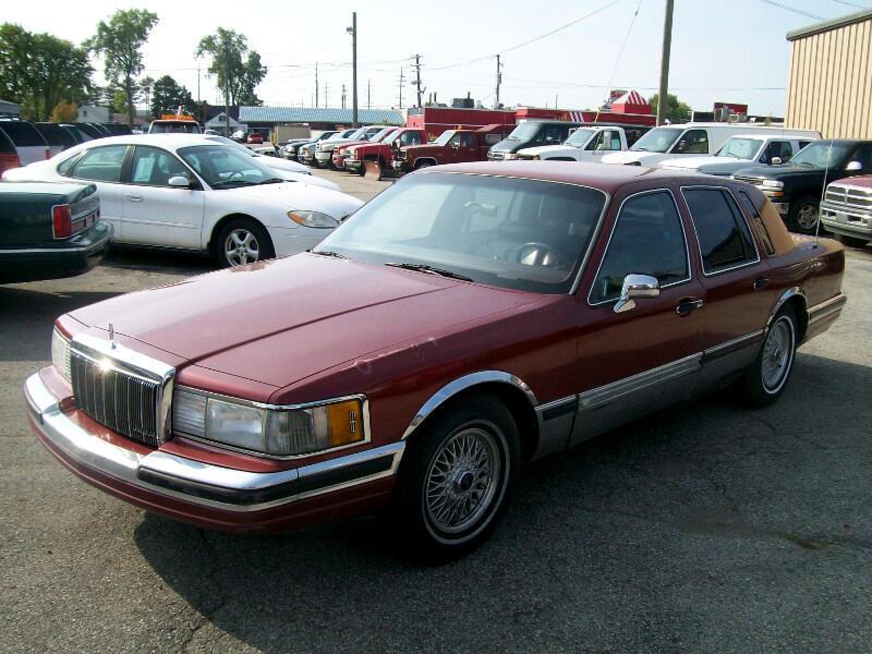 Lincoln Town Car Base 1990