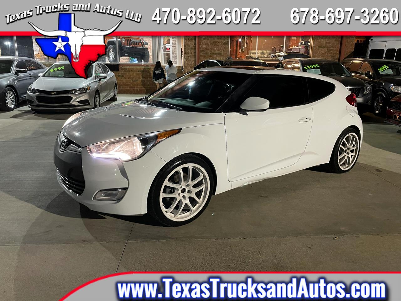 Hyundai Veloster 3dr Cpe Man w/Red Int 2014
