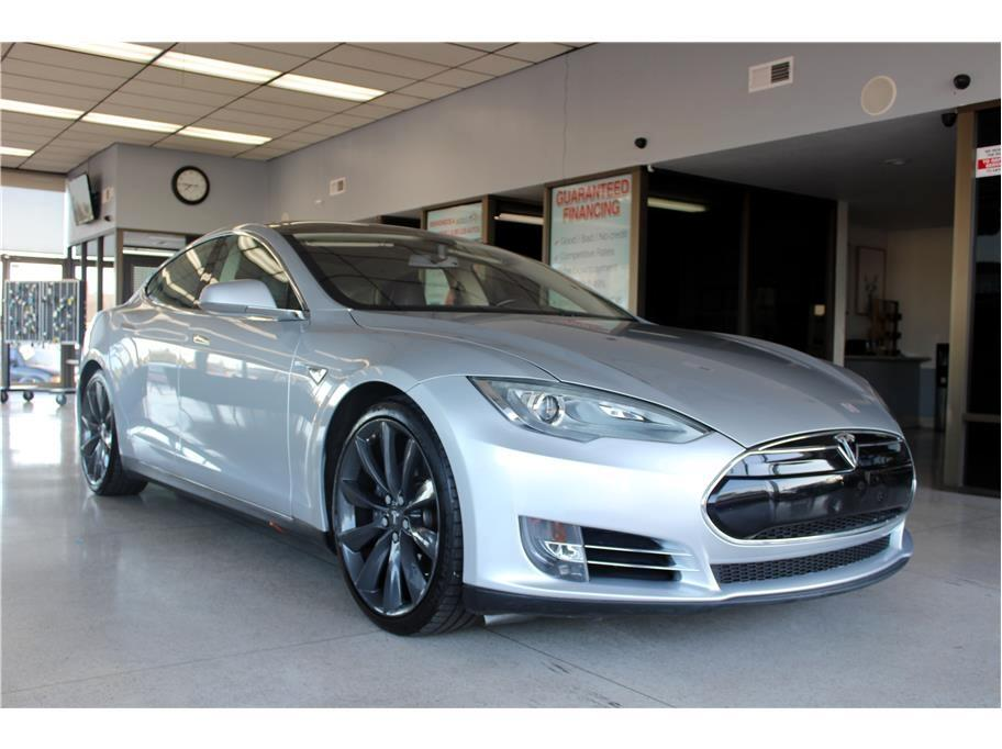 Tesla Model S Signature Performance 2012