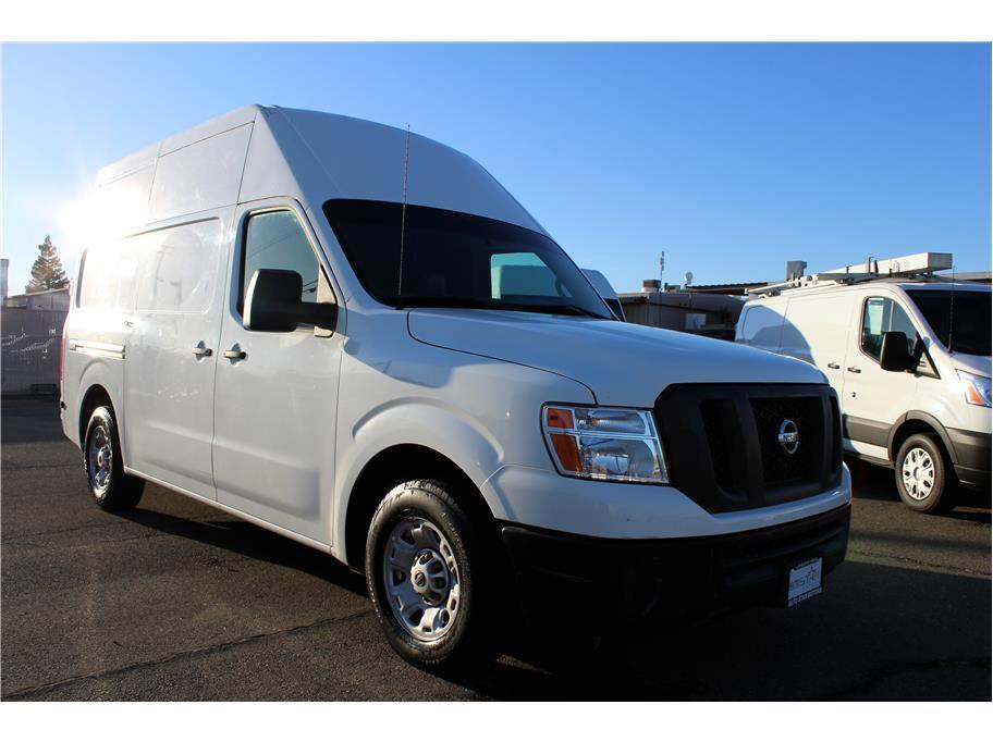 Nissan NV Cargo 2500 HD S V8 High Roof 2012