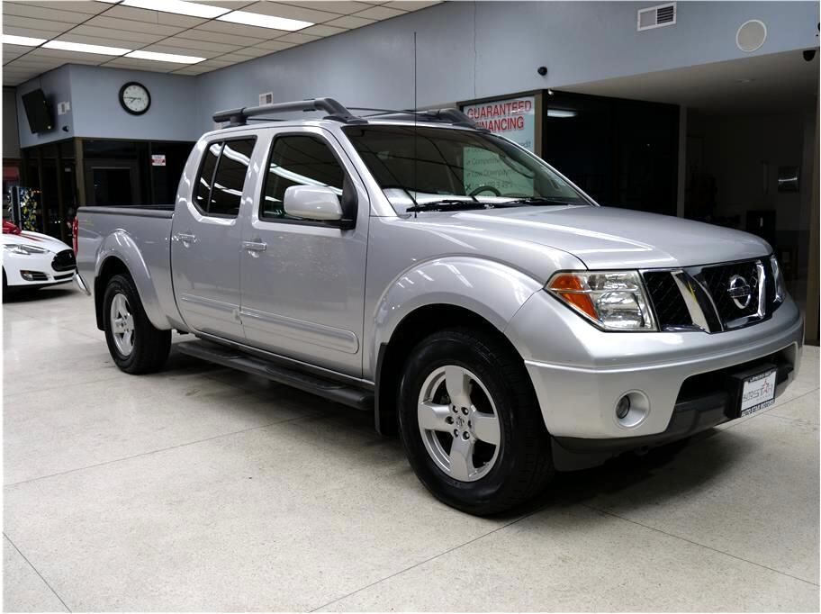 Nissan Frontier LE Crew Cab Long Bed 4WD 2008