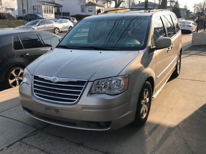 2009 Chrysler Town & Country 4dr Limited FWD