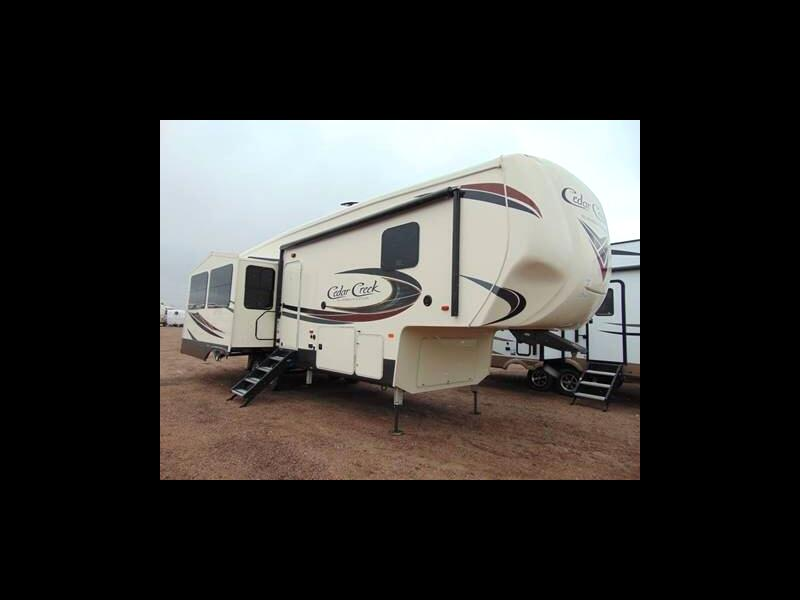 2019 Cedar Creek 29RE SILVERBACK