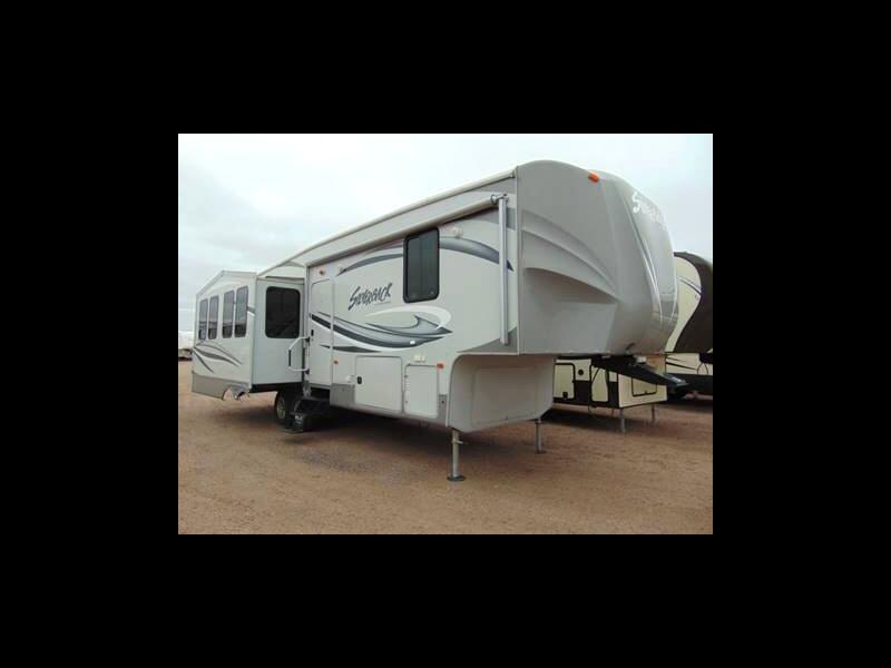 2013 Cedar Creek Silverback 29RE
