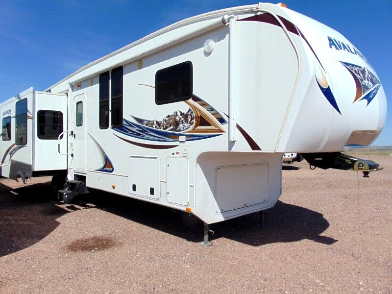 2011 Keystone RV Avalanche 330RE