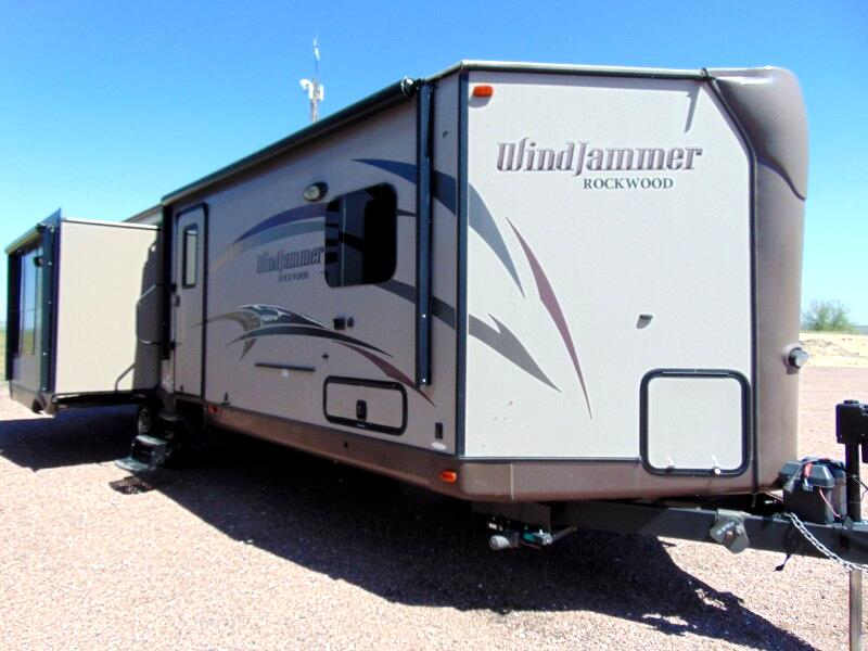 2015 Rockwood Windjammer 3029W DIAMOND