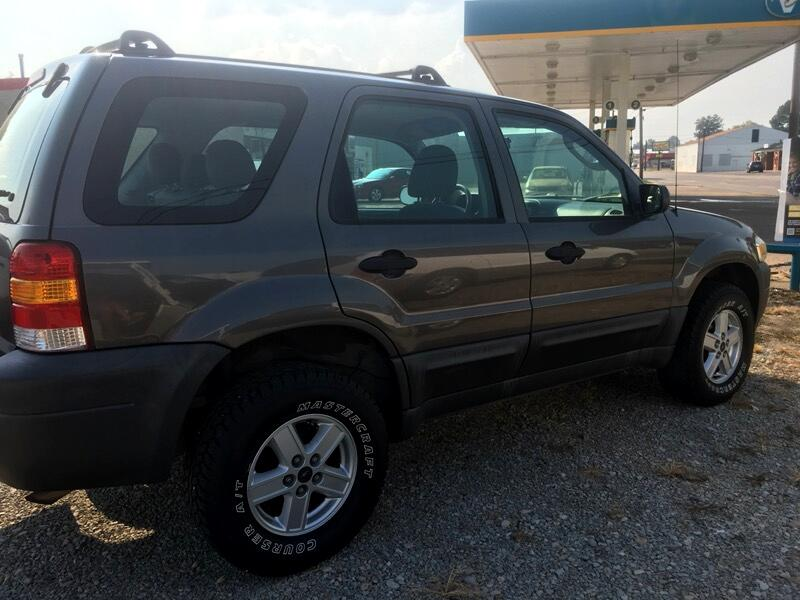 Ford Escape XLS 2WD AT 2005