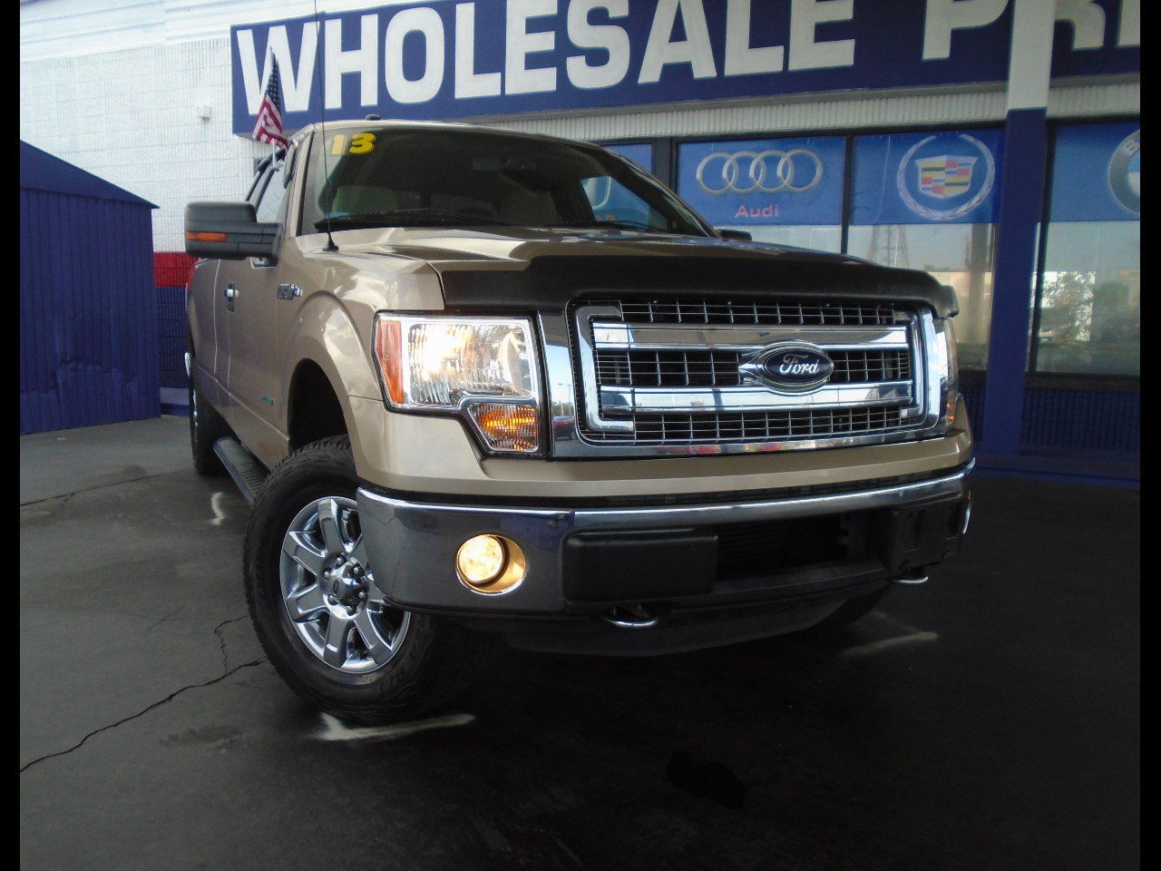 "2013 Ford F-150 4WD SuperCab 133"" XLT"